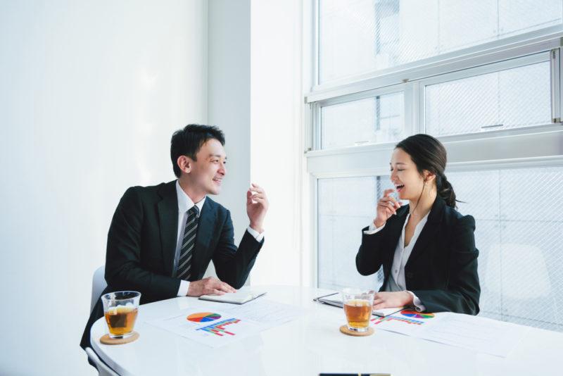 職場の異性と仕事